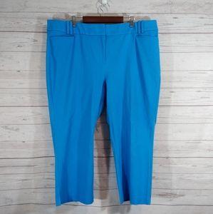 Lane Bryant blue cropped Capri flat front pants